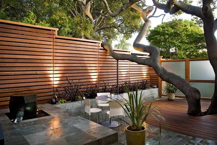 Muro de ripas de madeira: aconchegante e acolhedor