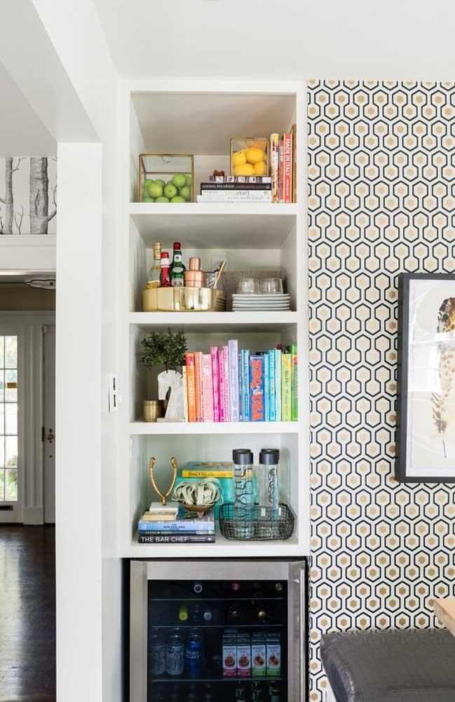 Incrível como papel de parede deixar o ambiente mais elegante e ao mesmo tempo aconchegante.