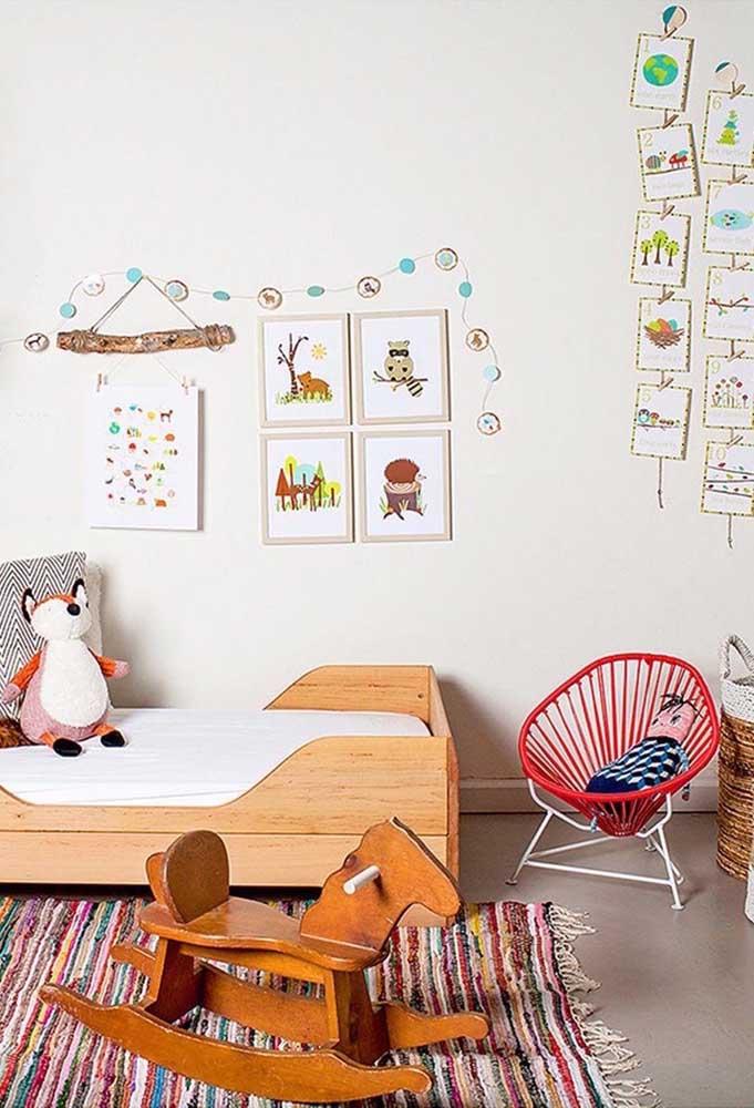 Quadrinhos coloridos ajudam a deixar o quarto mais colorido e divertido