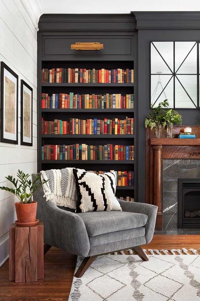 Organize os livros lembrando que eles são parte fundamental da decoração do cantinho da leitura