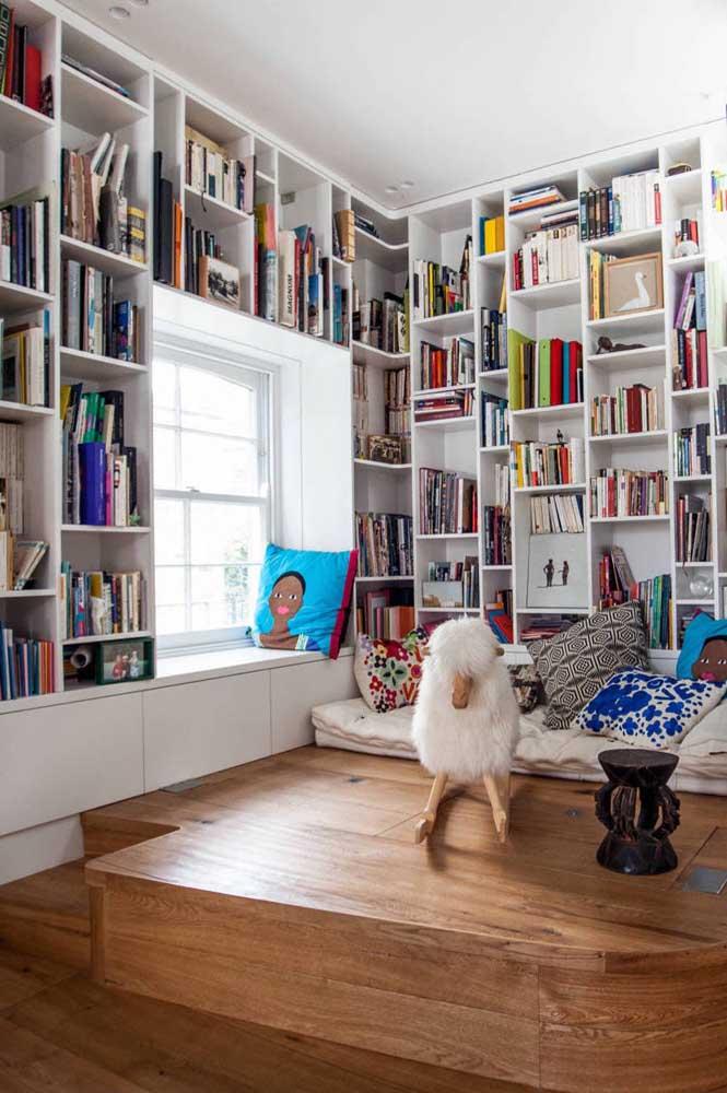 No chão ou junto à janela: você escolhe onde será a leitura do dia