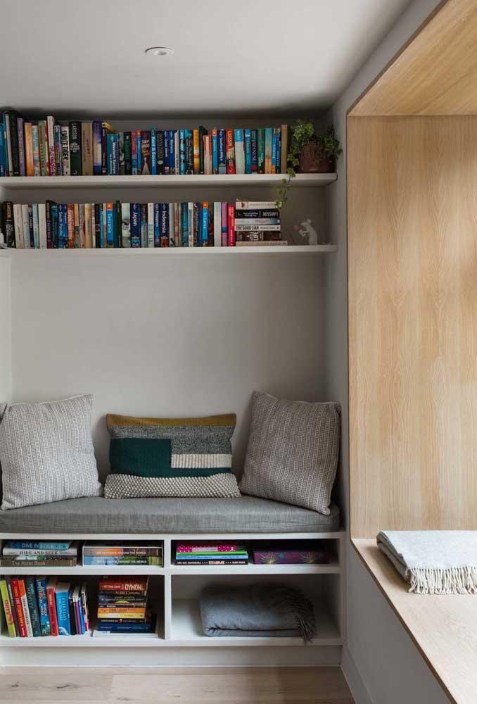 Em um cantinho da leitura pequeno todo espaço deve ser bem aproveitado