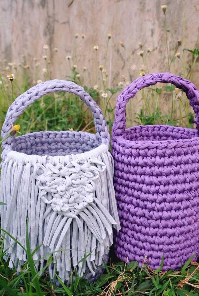 Olha esse modelo de cesto de crochê. No caso, foi usada uma linha mais grossa para deixá-lo mais resistente.