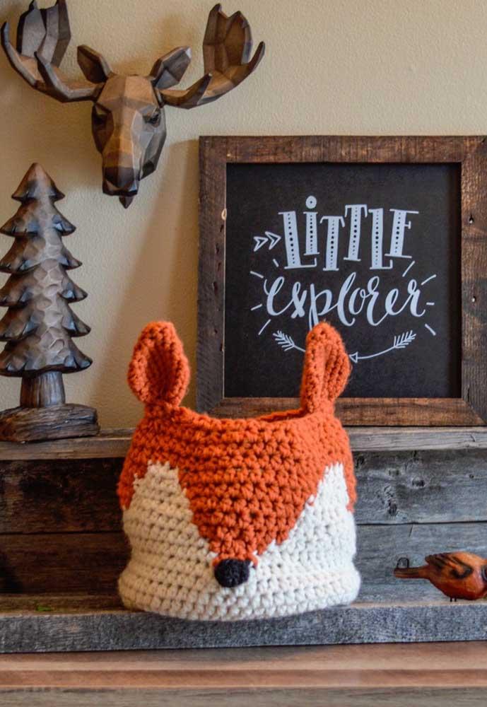 Faça um cesto de crochê no formato de bichinho para combinar com o estilo de decoração da casa.