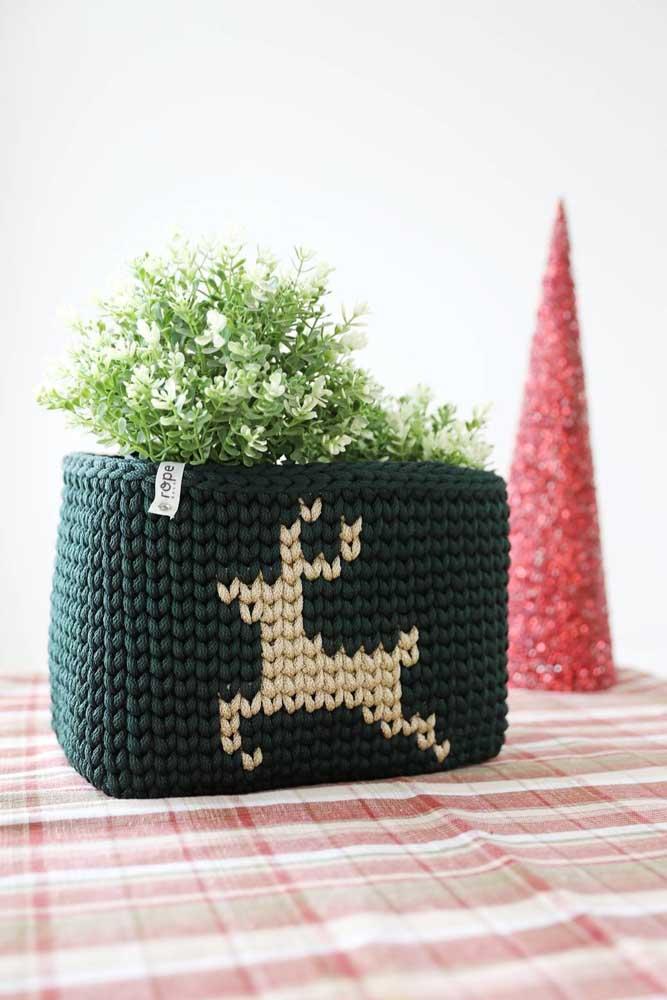 Você sabia que é possível usar um cesto de crochê para colocar algumas plantas dentro?