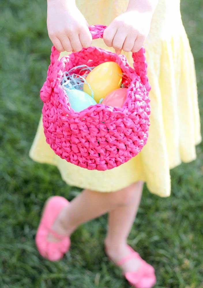 Esse é outro modelo que você pode usar tecido que fica no formato de linha de crochê.