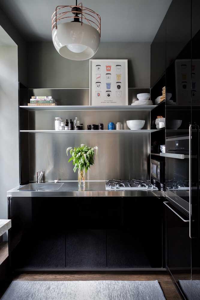 Bancada em inox para uma cozinha super moderna