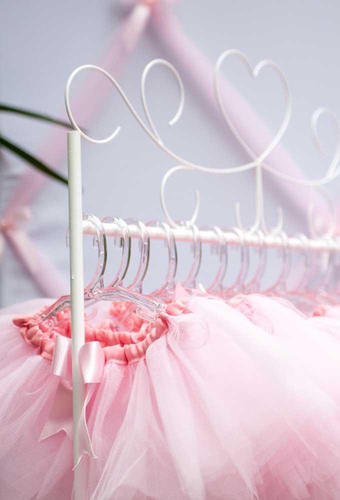 Claro que o traje principal tem que ser aquela que tem tudo a ver com a festa: bailarina.