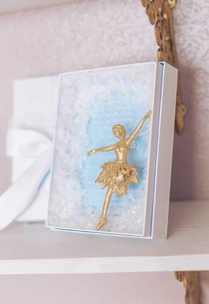 Em muitas festas as aniversariantes gostam de receber mensagens de seus convidados para guardar como recordação daquele momento. Por isso, prepare um caderno ou livro personalizado com o tema bailarina.
