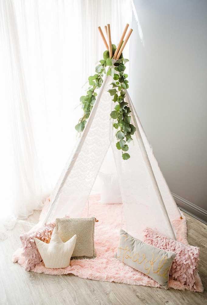 Que tal preparar uma pequena cabana para as crianças brincarem durante a festa de aniversário?