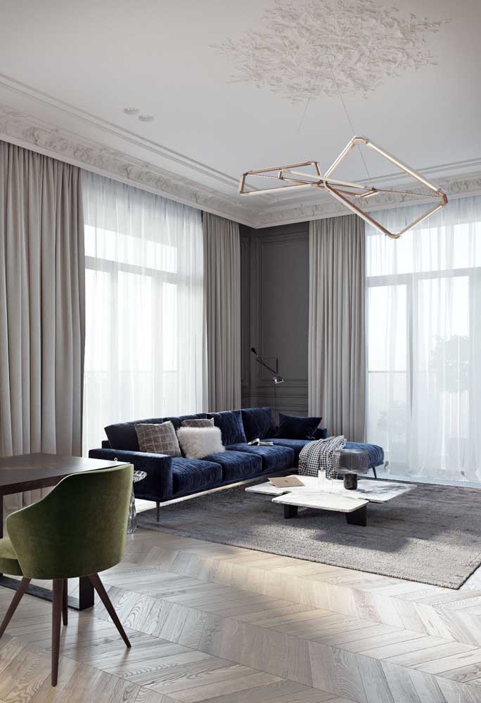 Sala de estar com forro de gesso decorado: modelo clássico e elegante