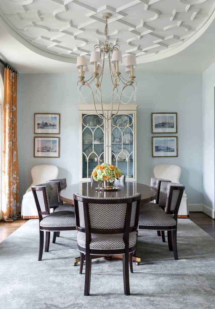 Forro de gesso decorado para a sala de jantar; qualquer ambiente da casa se renova com um teto assim