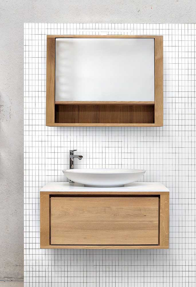 Conjunto de gabinete com espelho; cores e materiais em sintonia