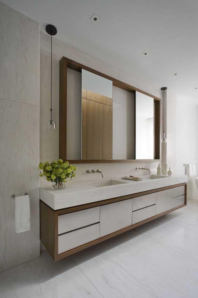 Banheiros grandes pedem por gabinetes na mesma proporção