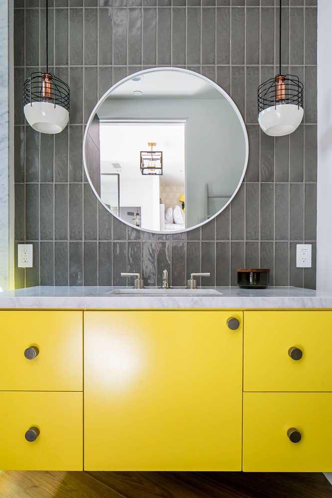 Gabinete de banheiro amarelo: um toque de vida e alegria para o ambiente