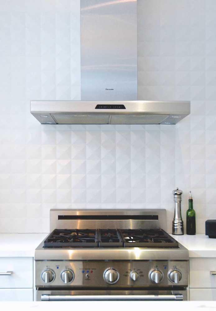 As placas também ficam super bonitas nas cozinhas, imitando com perfeição revestimentos cerâmicos