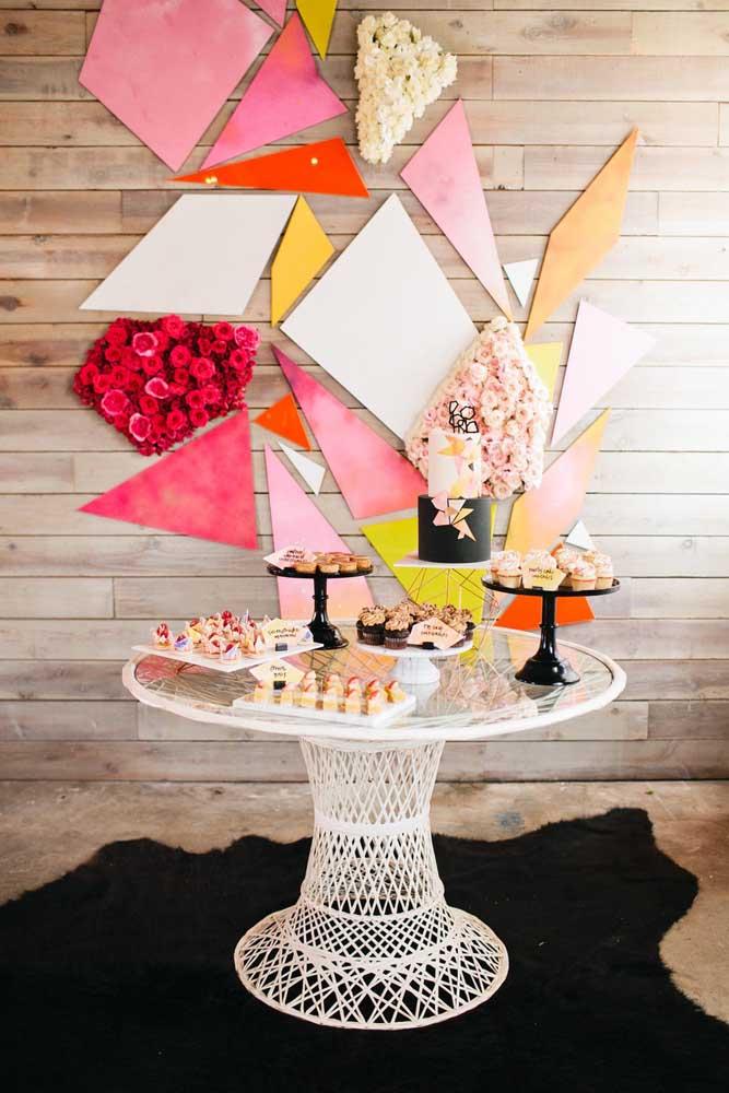 Simplicidade e elegância se unem para criar essa mesa de guloseimas encantadora