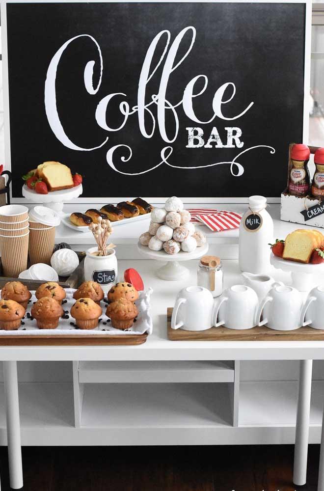 Uma ideia diferente para a mesa de guloseimas: sirva doces com café