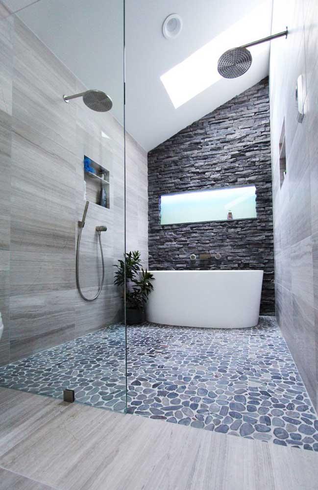 Todo o destaque para a área do banho
