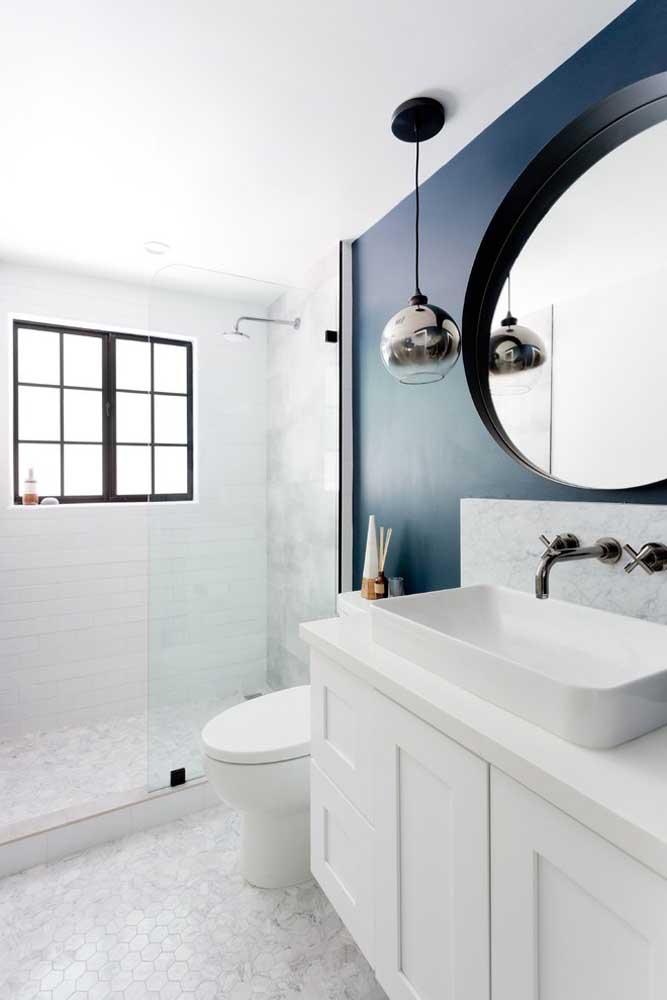 Capriche na escolha do espelho, esse elemento é indispensável em qualquer modelo de banheiro