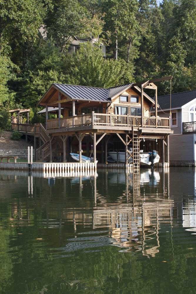 Casa no lago: modelo de casa perfeito para quem busca se reconectar a natureza