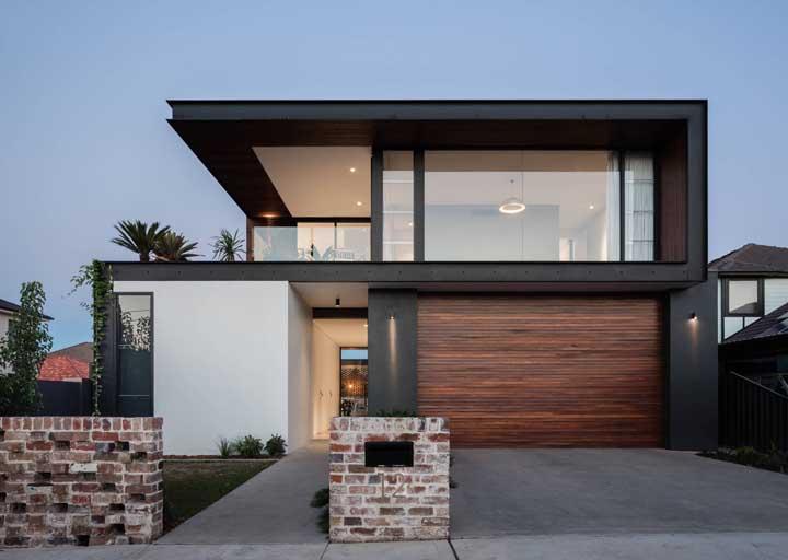O preto na fachada transmite elegância e refinamento