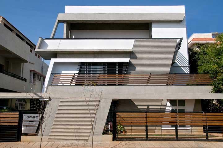 Que tal umas linhas transversais na fachada? Um projeto original e cheio de personalidade