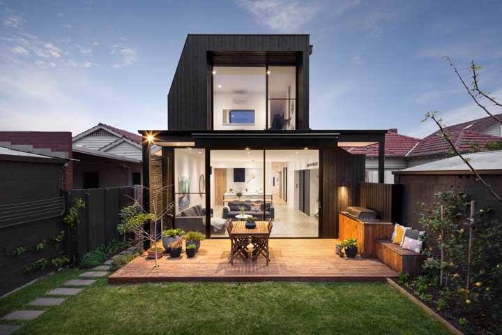 A parte de trás da casa é tão importante quanto a fachada, portanto, planeje-a com todo carinho