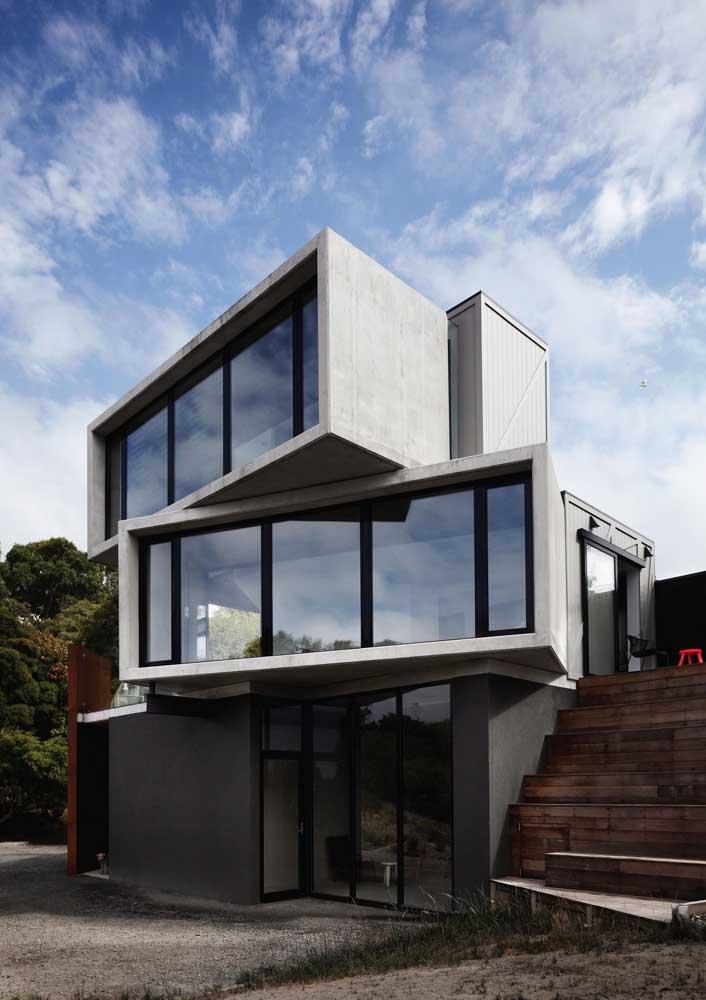 Para quem aprecia arquitetura e suas inovações, essa casa é um deleite; seus andares lembram blocos de montar e sua estrutura desafia a imaginação
