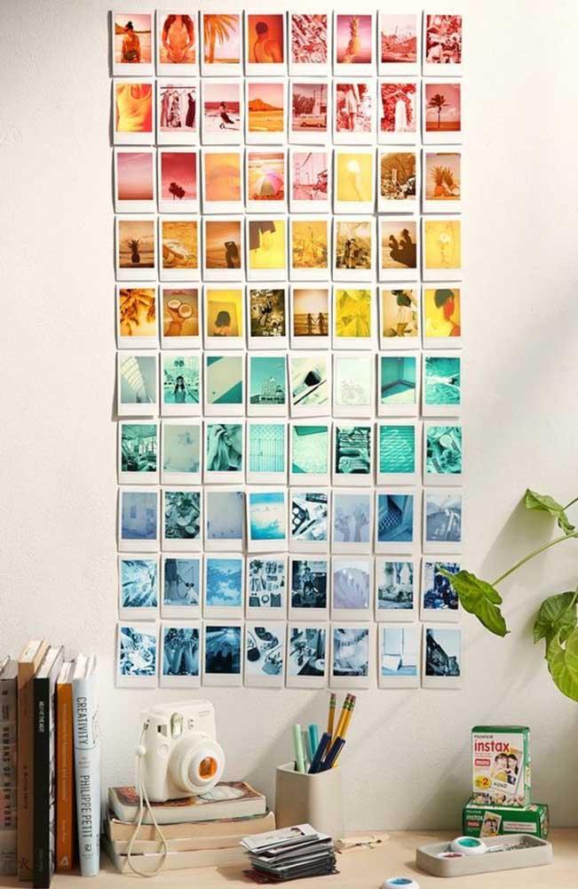 Mas se preferir pode colar as fotos diretamente na parede, sem precisar usar molduras.