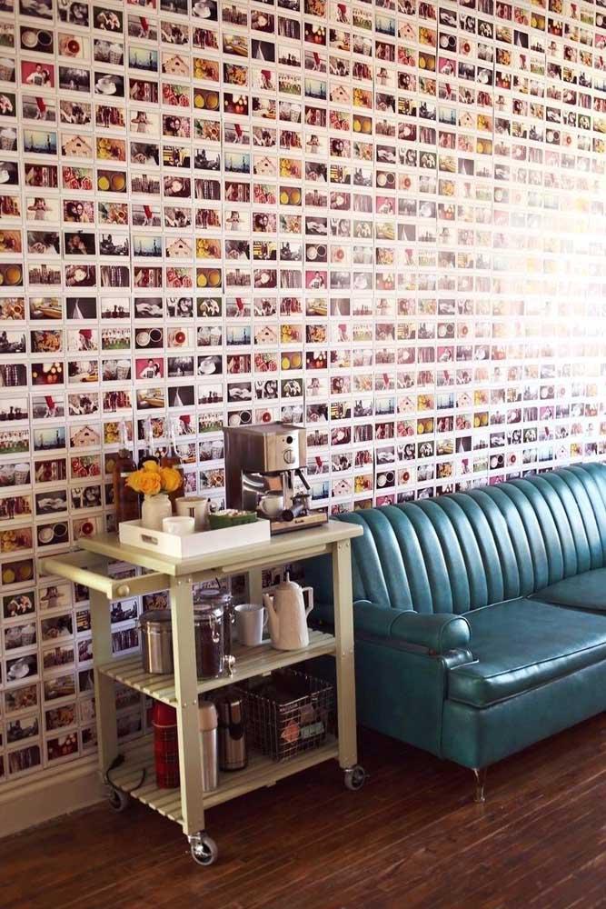 O que acha dessa parede cheia de fotos? Ousada e diferente que chama a atenção de qualquer um.