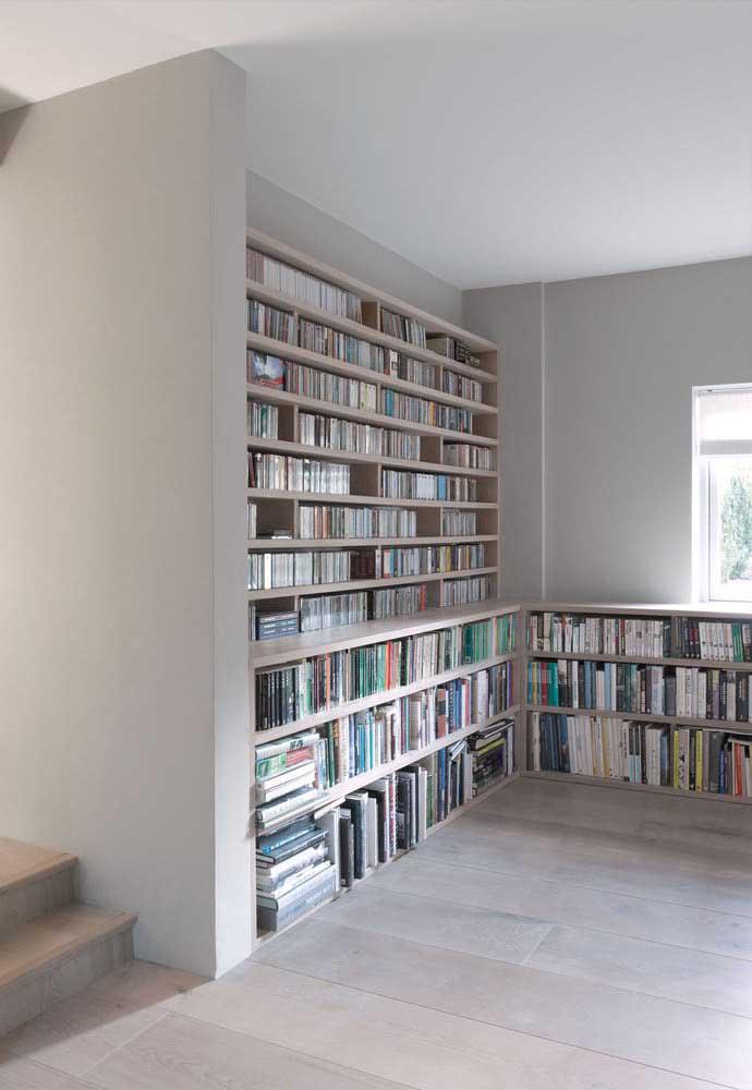 A área da biblioteca ganhou mais conforto com o piso vinílico em placas