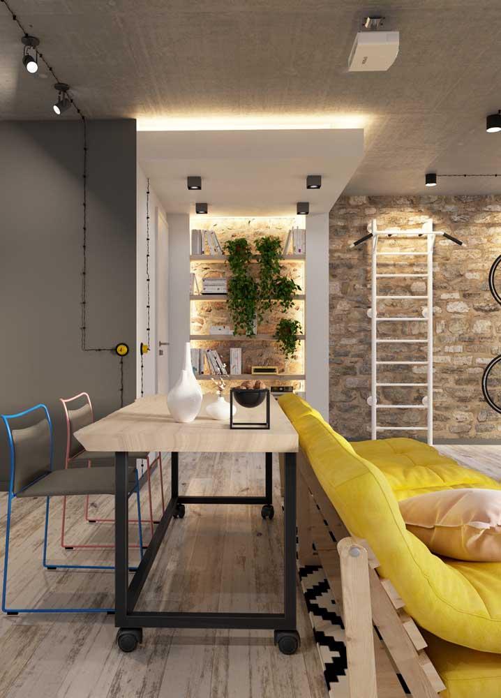 O piso vinílico possui instalação simples e pode ser usado em toda a casa