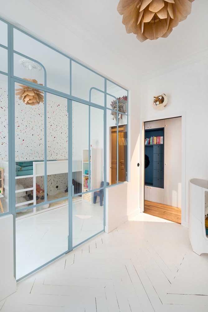 Portas de vidro de correr para quarto juvenil, sensação de amplitude, porém menos privacidade