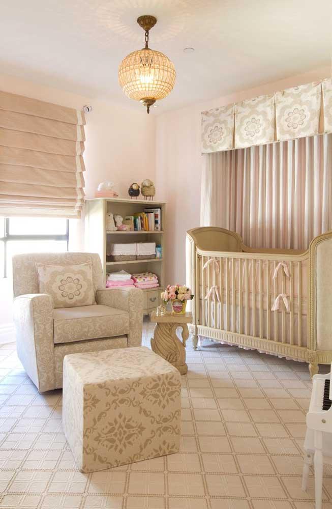 Escolha os itens do quarto de bebê fazendo combinações de estampas entre os elementos.