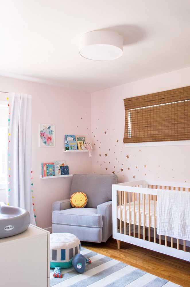 As estrelinhas pode ser um bom tema para decorar o quarto do bebê.
