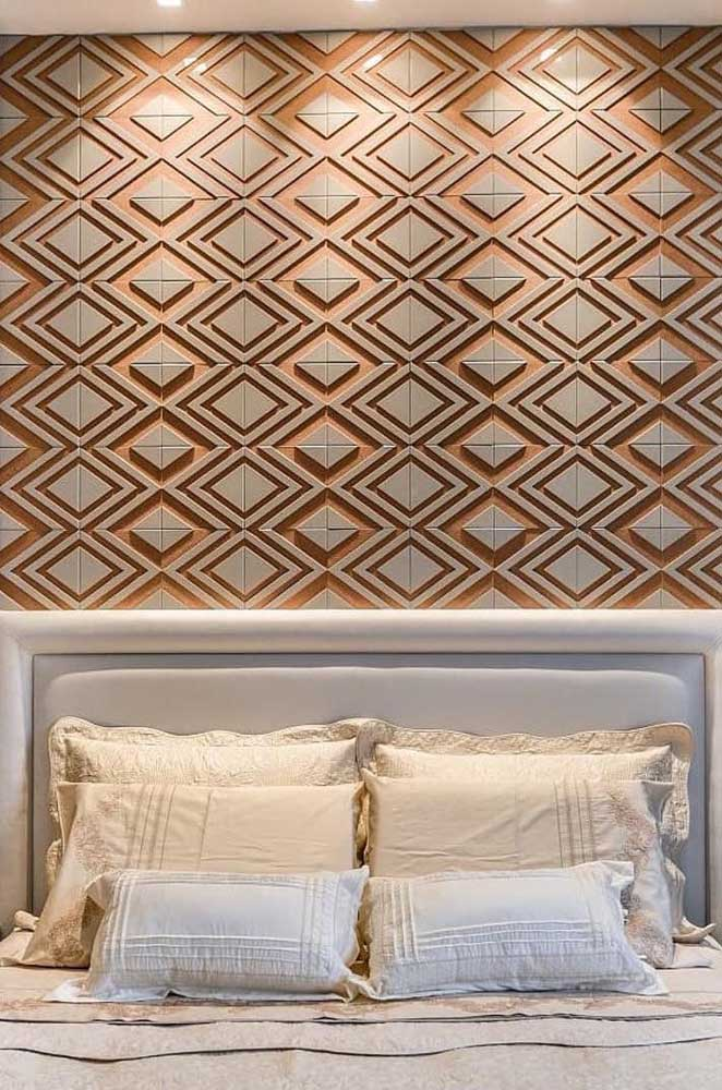 O revestimento 3D com formatos de losangos na cor laranja deixa o quarto com um aspecto alegre e jovial, mas sem cair em uma decor infantil ou caricata