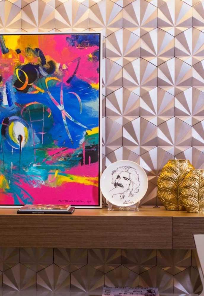 A decoração moderna, cheia de cores e jovial pede por uma parede na mesma proposta