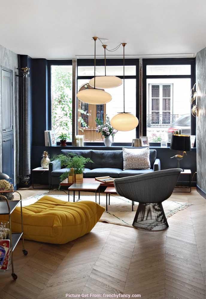 A versatilidade das luminárias é perfeita para quem deseja criar um espaço mais moderno em sua casa.