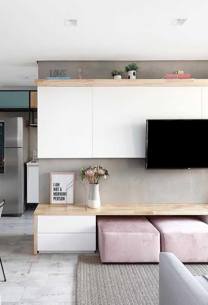 Olha como fica esse armário fica perfeito na sala de estar, principalmente, por ter cores mais claras deixando o ambiente mais amplo.