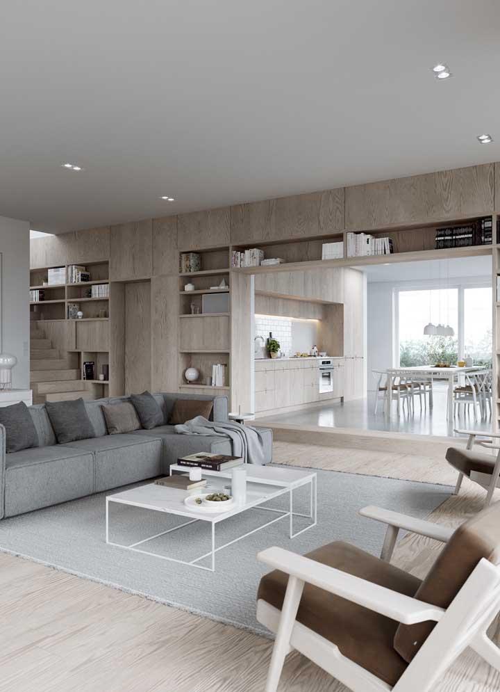 Se você tem uma sala de estar bem espaçosa, já pensou em criar um ambiente como esse? Elegante, aconchegante super moderno.