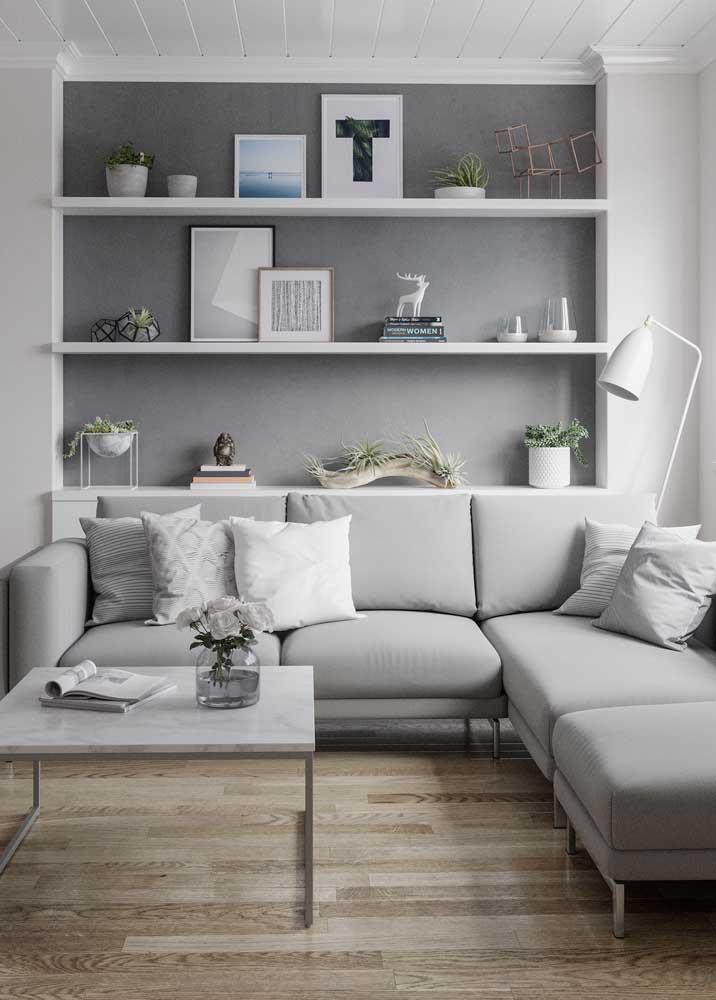 Ou se preferir pode fazer uma combinação entre as tonalidades do cinza e a cor branca para deixar o local mais sóbrio.