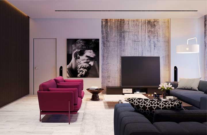 O sofá na cor vinho ganhou destaque na decoração dessa sala de estar. Chique, elegante, moderno e sofisticado.