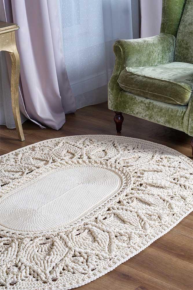 Tapete de crochê oval com trabalho delicado para decorar a sala de estar de estilo retrô e clássico