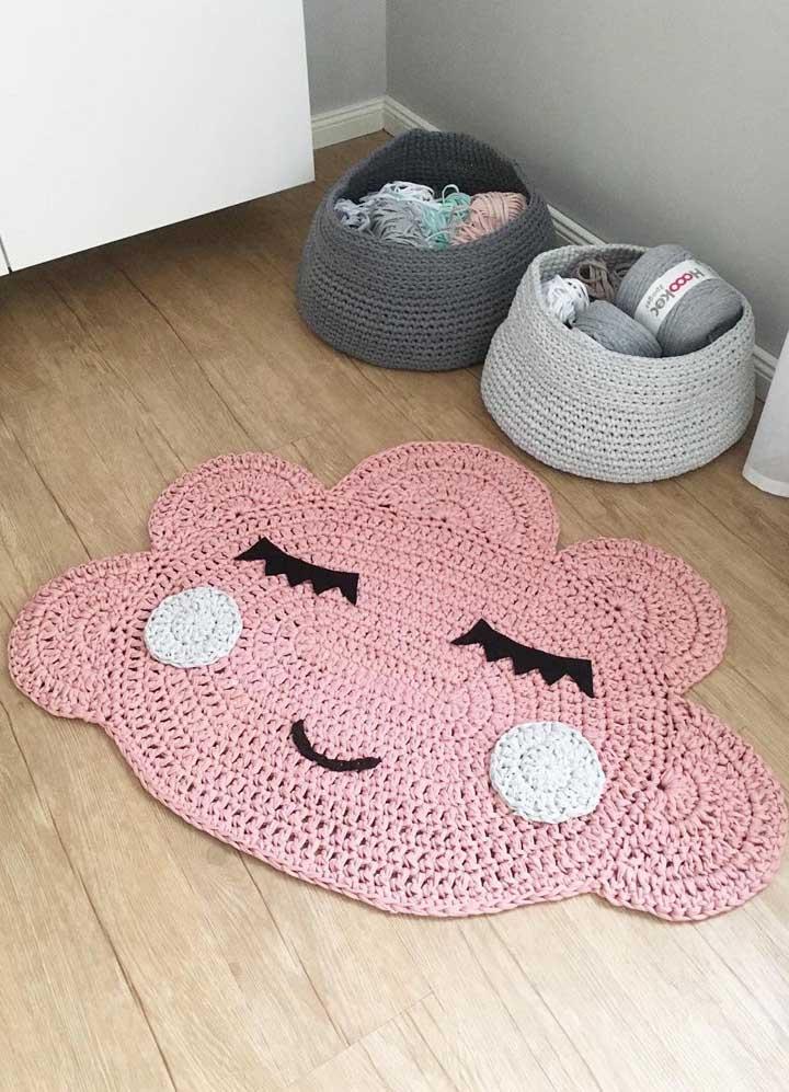 Tapete de crochê oval combinando com os cestos