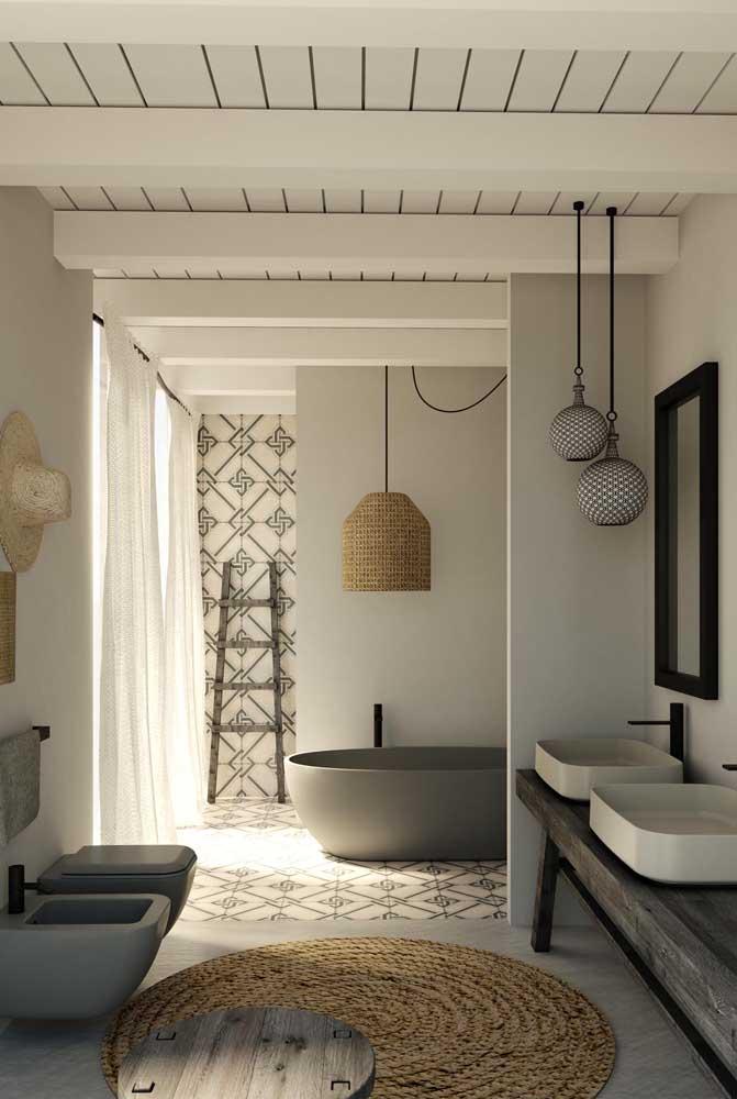Opção de tapete de crochê rústico para combinar com a luminária e com a proposta de decoração