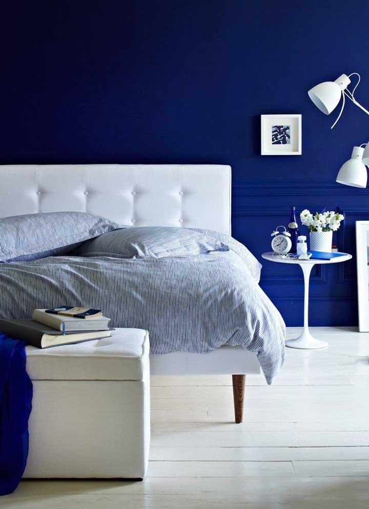 Azul royal e branco: uma aposta que não decepciona