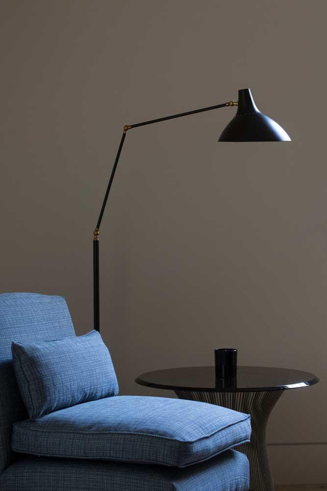 Uma decor simples e discreta com azul royal