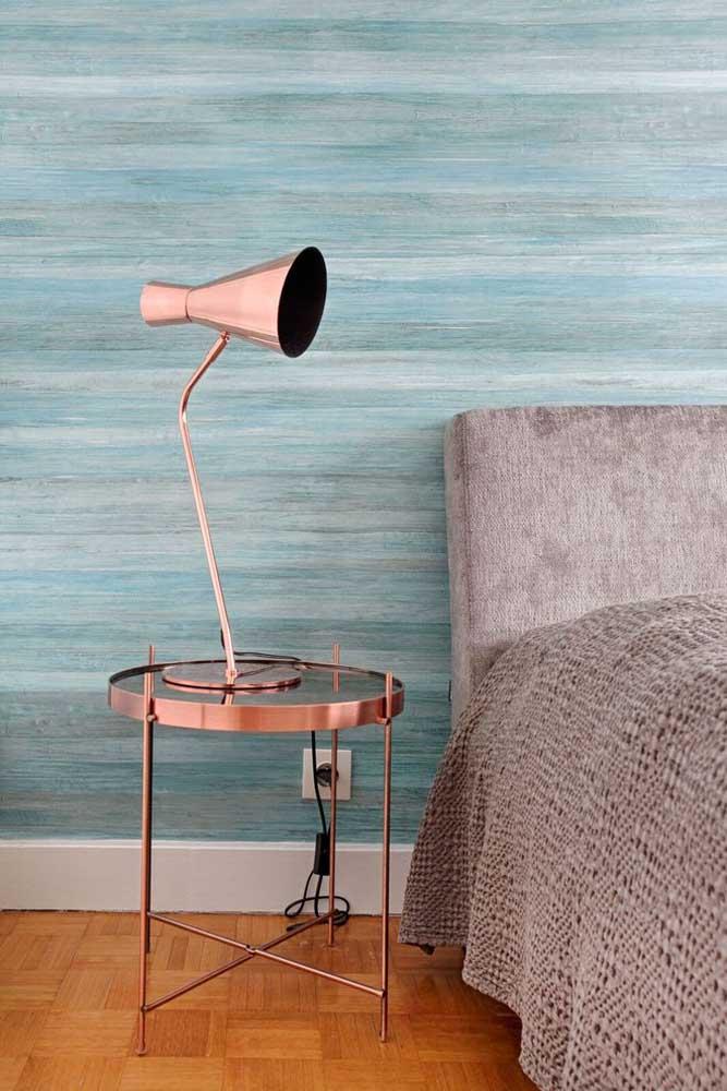 O mais interessante é que você pode usar diferentes texturas e estampas de papel de parede com a cor azul turquesa.