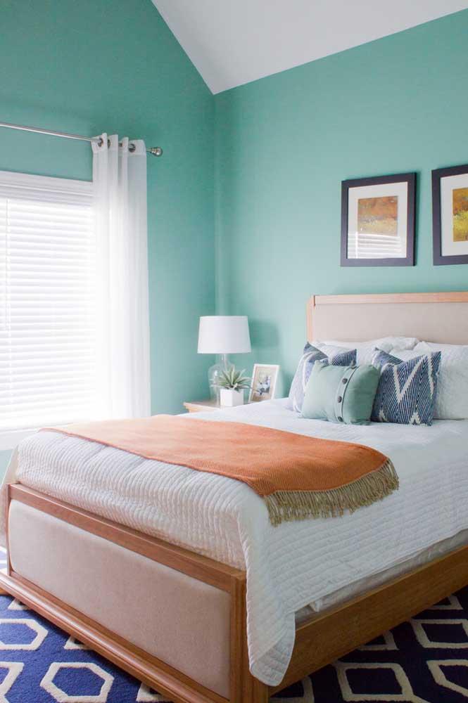 Saiba usar o tom de azul turquesa correto na hora de pintar as paredes do quarto.